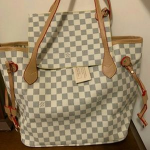 Neverfull louis Vuitton bag with purse